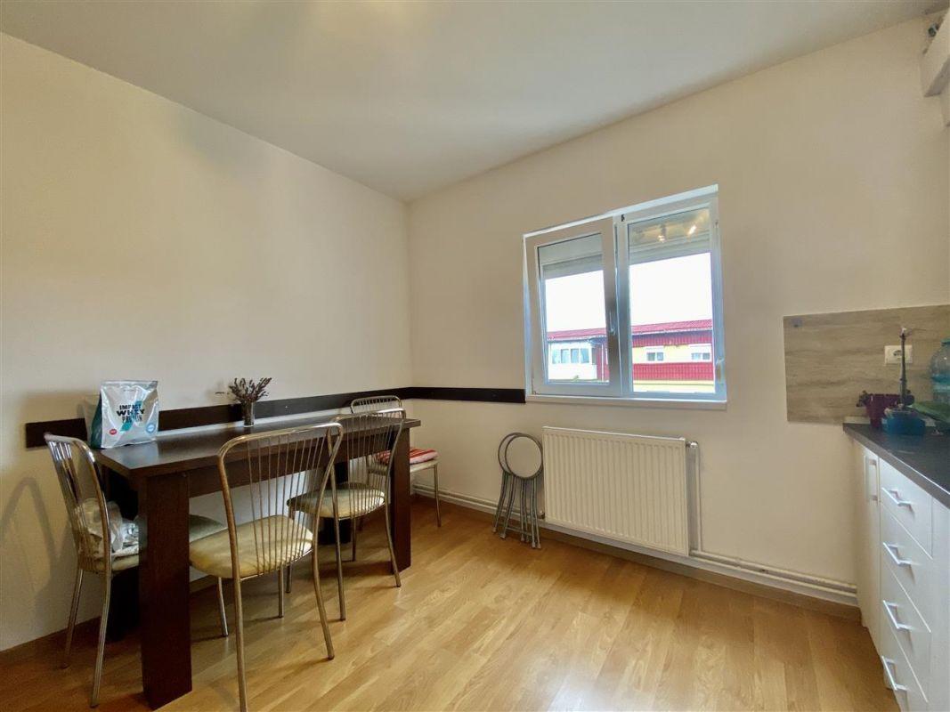 Apartament 3 camere, decomandat, PLAVAT II - ID V465 12