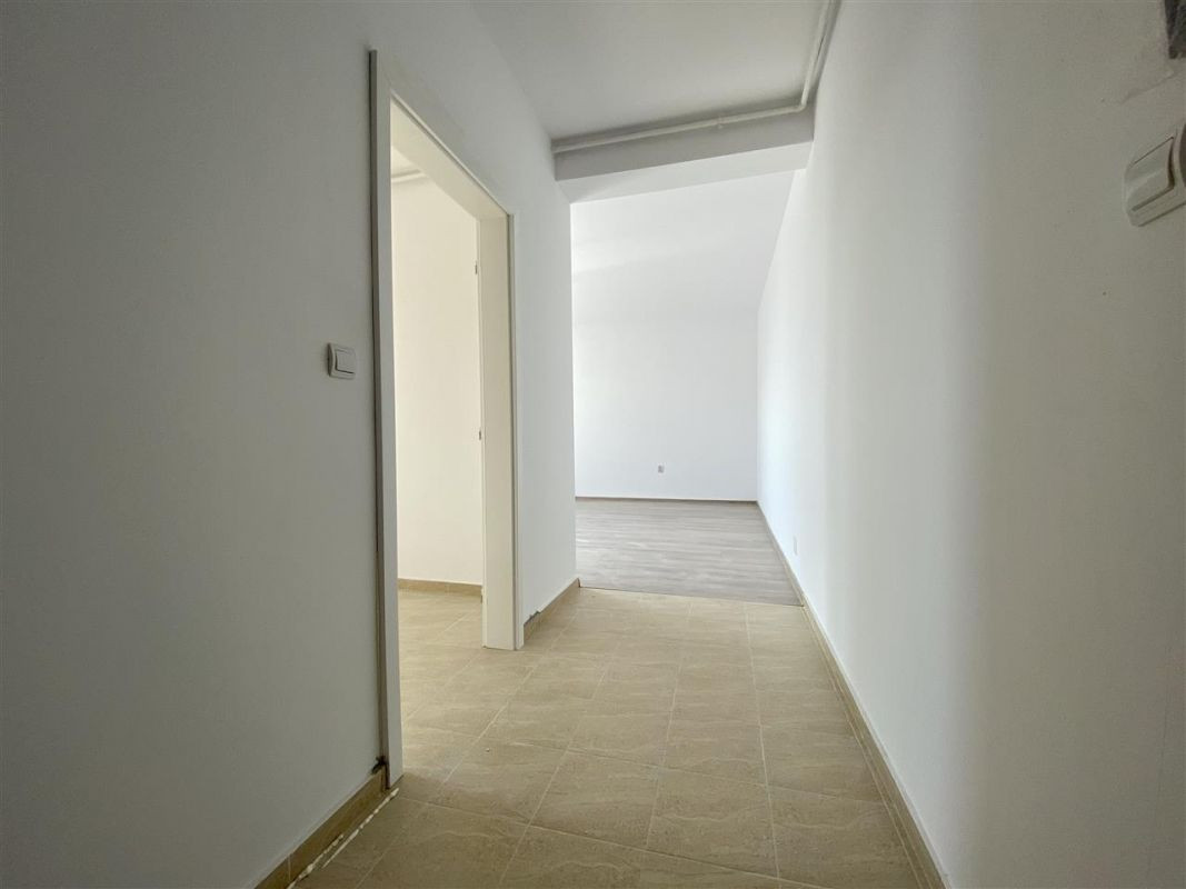 Apartament 2 camere de vanzare loc de parcare in GIROC - ID V45 23