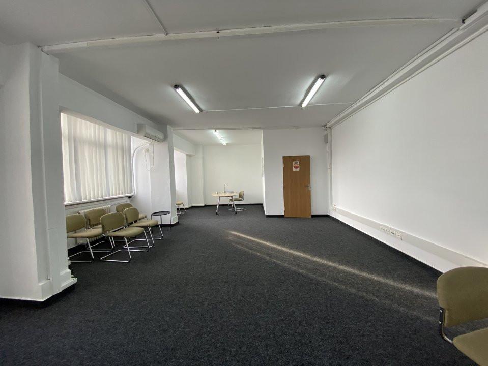 Spatiu de birouri central Piata 700 - 50mp 3