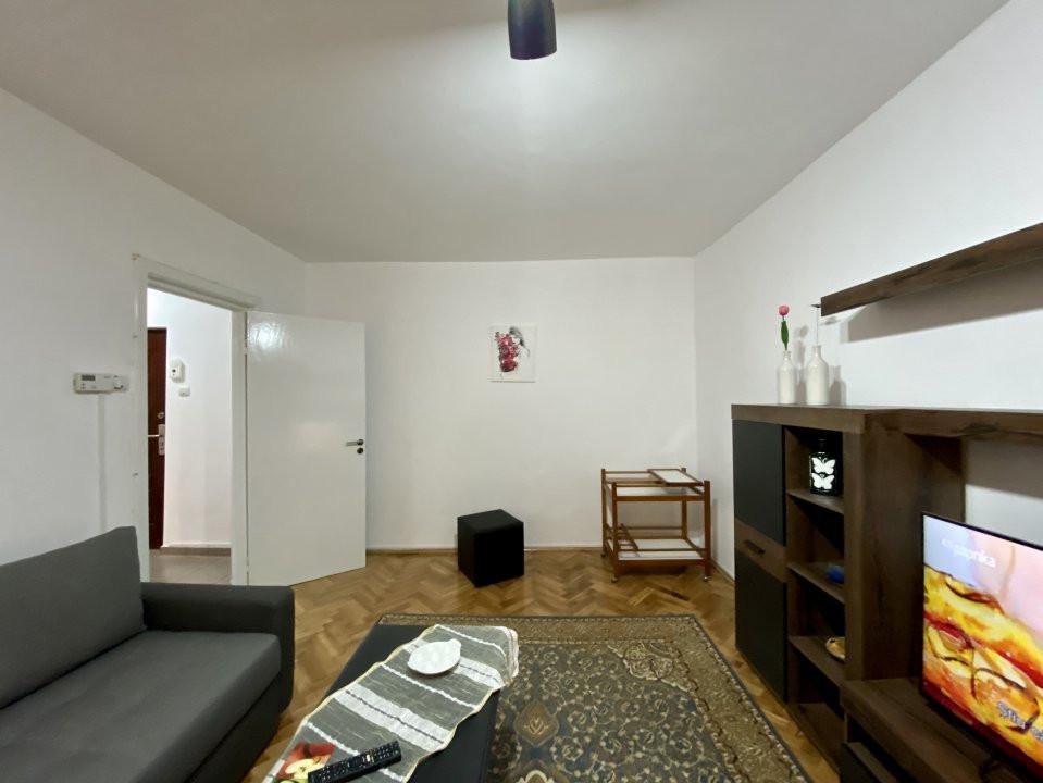 Apartament de inchiriat, 2 camere, decomandat, centrala proprie - C1550 9