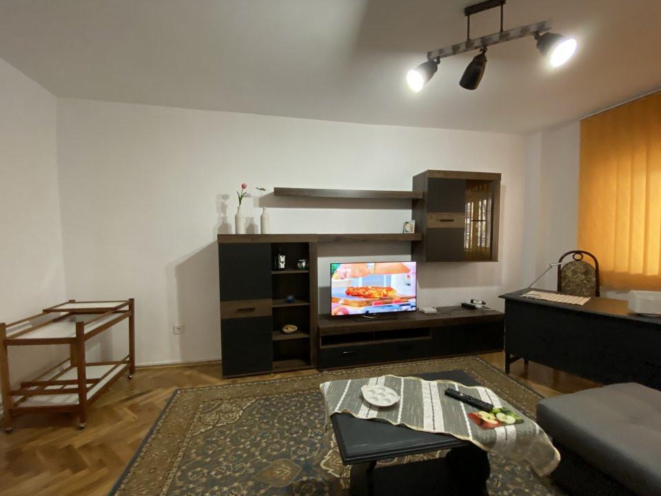 Apartament de inchiriat, 2 camere, decomandat, centrala proprie - C1550 10