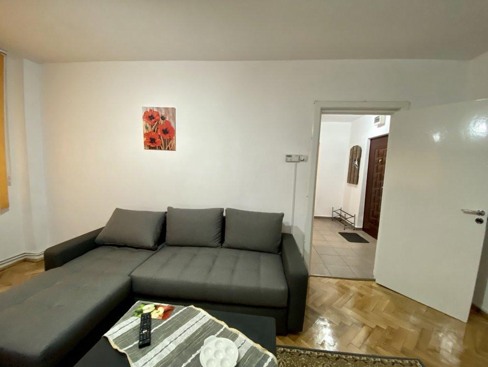 Apartament de inchiriat, 2 camere, decomandat, centrala proprie - C1550 11