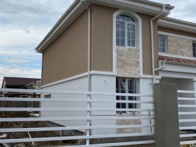 Casa tip duplex - pozitie excelenta - Mosnita Noua