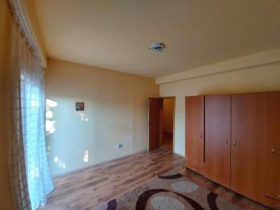 Apartament de vanzare 2 camere, decomandat,parter, zona Fratelia - V1677