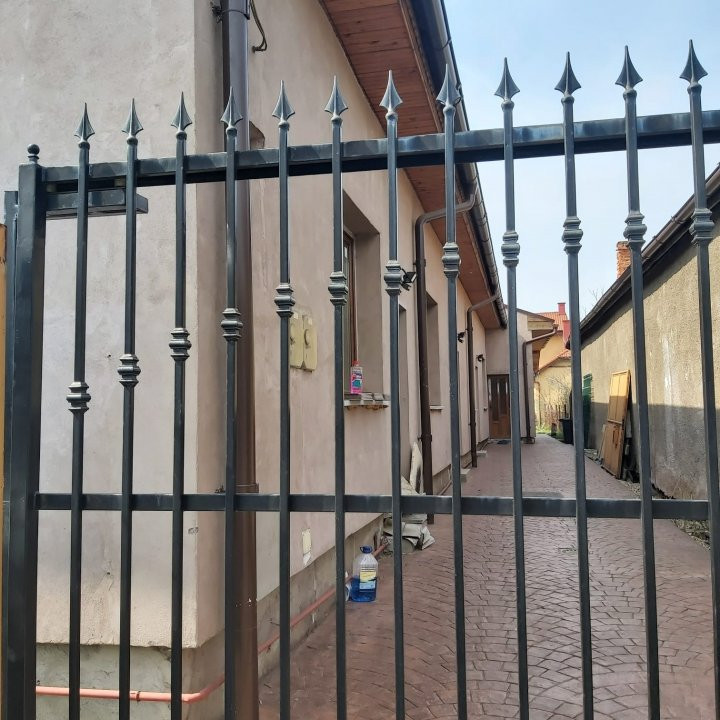 De inchiriat(locuit/birouri) / de vanzare casa individuala N- C1678 2