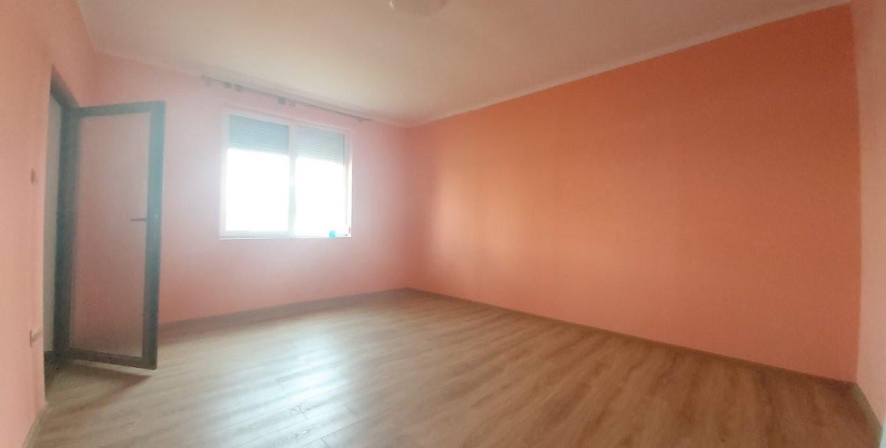 Casa de locuit sau spatiu birouri, UMT - C1679 3