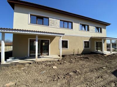 Duplex Sanandrei   Spatios si calitativ   Pozitie centrala  - V1675