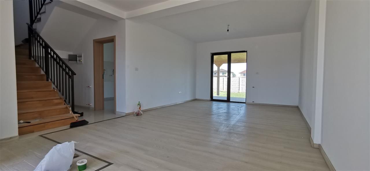 Casa tip duplex de vanzare 5 camere Giroc - ID V448 2