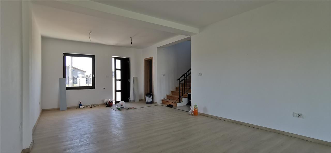 Casa tip duplex de vanzare 5 camere Giroc - ID V448 3