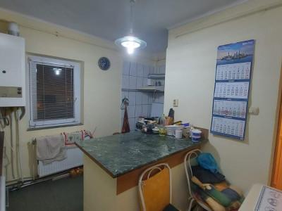 Apartament 3 camere, etaj 3, zona Dambovita - V1742