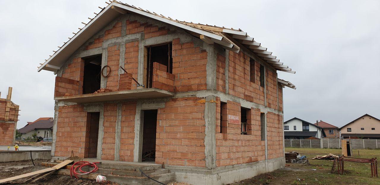 Casa tip duplex 3 camere de vanzare Mosnita Noua 1