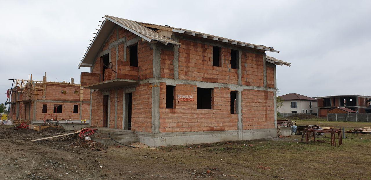 Casa tip duplex 3 camere de vanzare Mosnita Noua 2