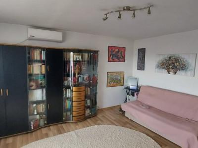 Apartament 1 camera, etaj intermediar, zona Steaua - V1752