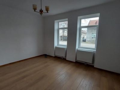 Oportunitate imobiliara!  Casa individuala, 2,877mp curte, zona Freidorf - V1753