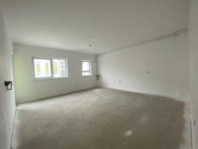Apartament cu 2 camere, semidecomandat, de vanzare, in Timisoara.