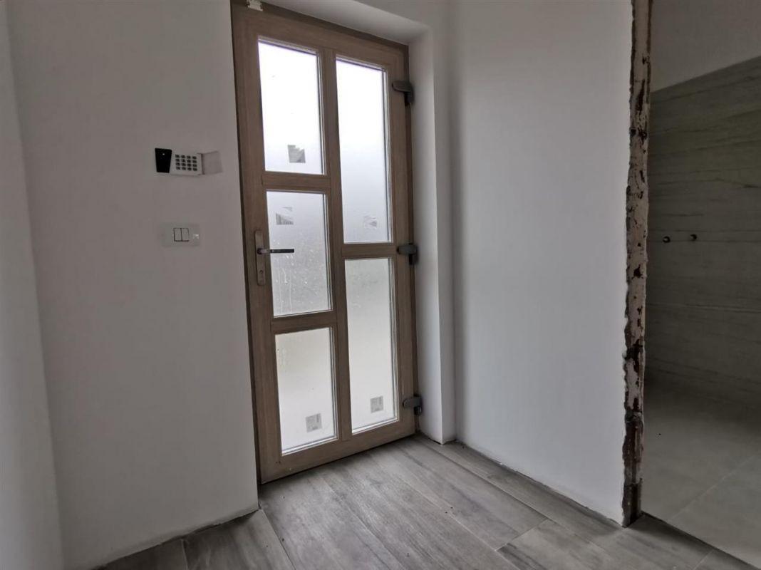 Casa tip duplex 6 camere in Chisoda - ID V430 3
