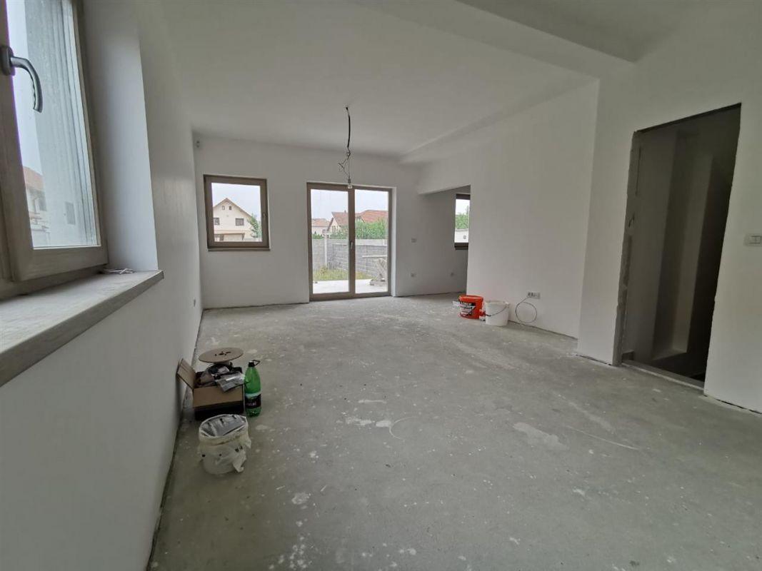 Casa tip duplex 6 camere in Chisoda - ID V430 5