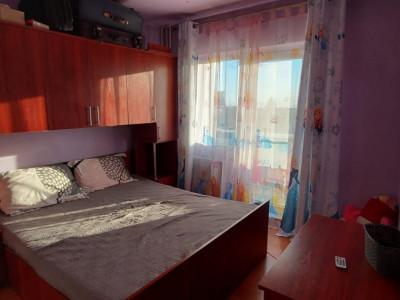 Apartament 3 camere, decomandat, etaj intermediar, zona Steaua - V1793