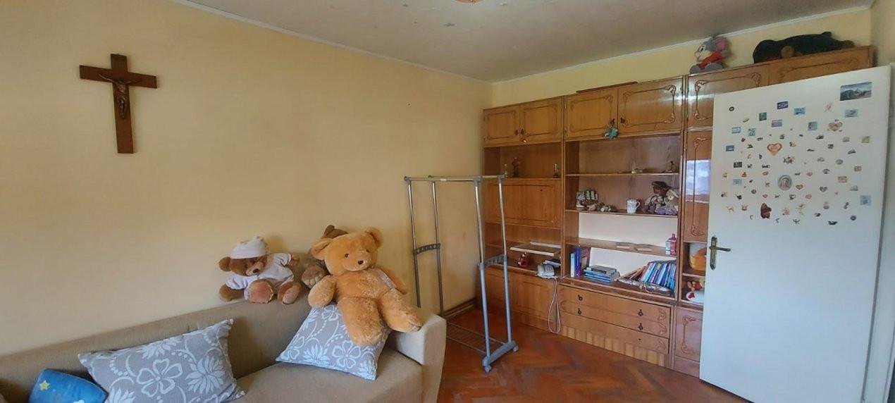 Apartament 3 camere, decomandat, zona Dambovita - V1797 9