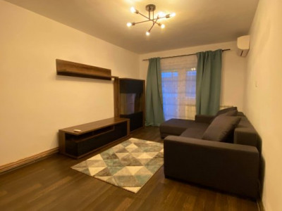 Inchiriez apartament 2 camere - Lipovei - zona linistita