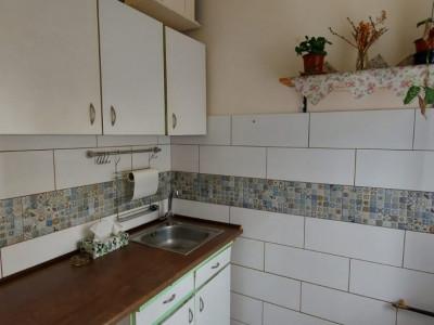 Garsoniera, recent renovata, etaj 2, disponibila imediat, zona Dambovita - V1810
