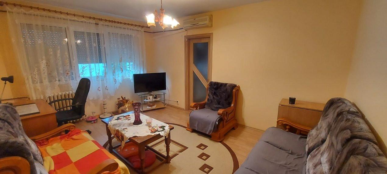 Apartament 2 camere, P-ta Doina - V1828 2