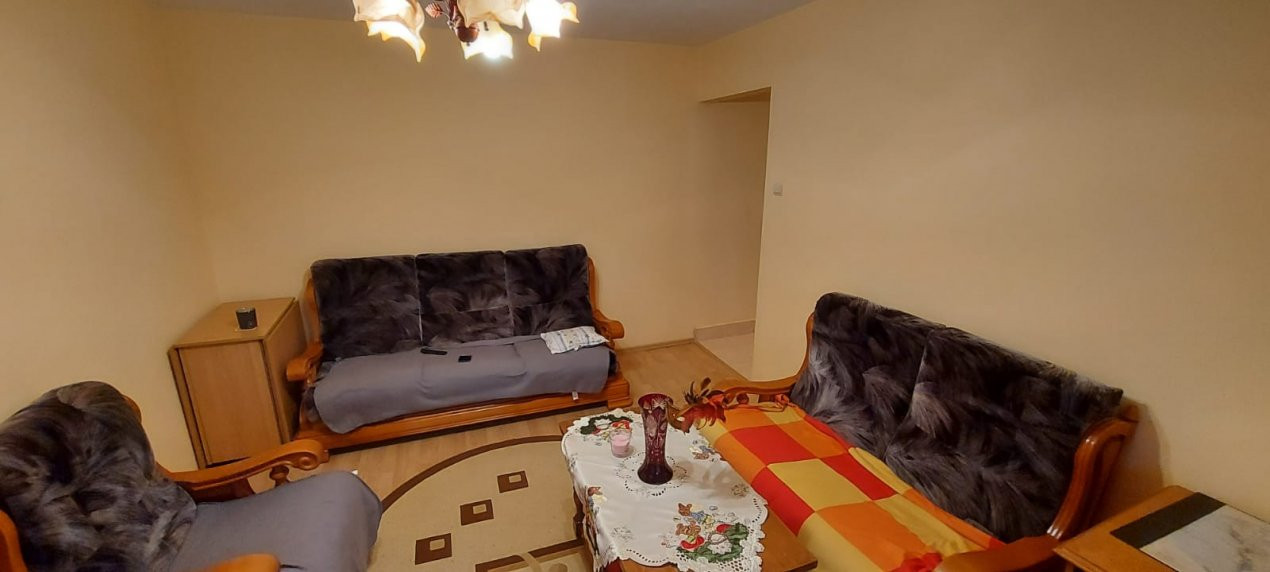 Apartament 2 camere, P-ta Doina - V1828 4