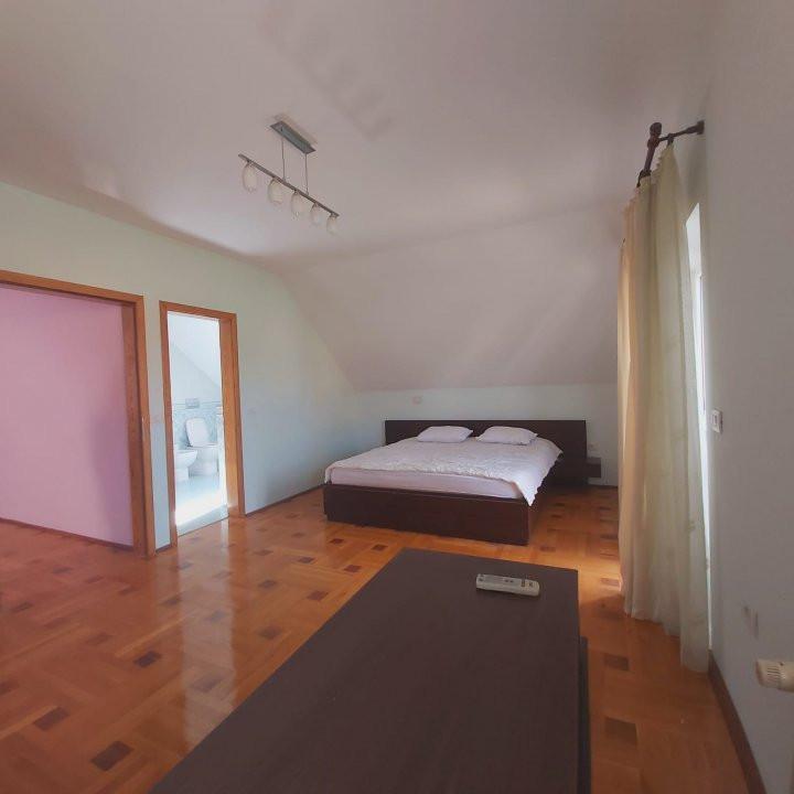 Casa individuala spatioasa, pretabil si pentru gradinita sau firme - C1861 3