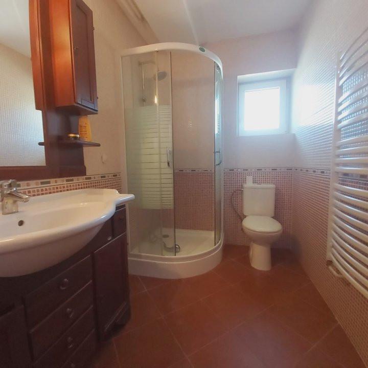 Casa individuala spatioasa, pretabil si pentru gradinita sau firme - C1861 7