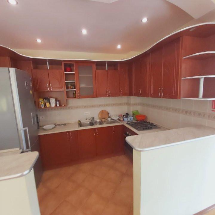 Casa individuala spatioasa, pretabil si pentru gradinita sau firme - C1861 8