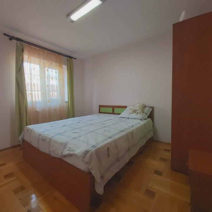 Casa individuala spatioasa, pretabil si pentru gradinita sau firme - C1861 13