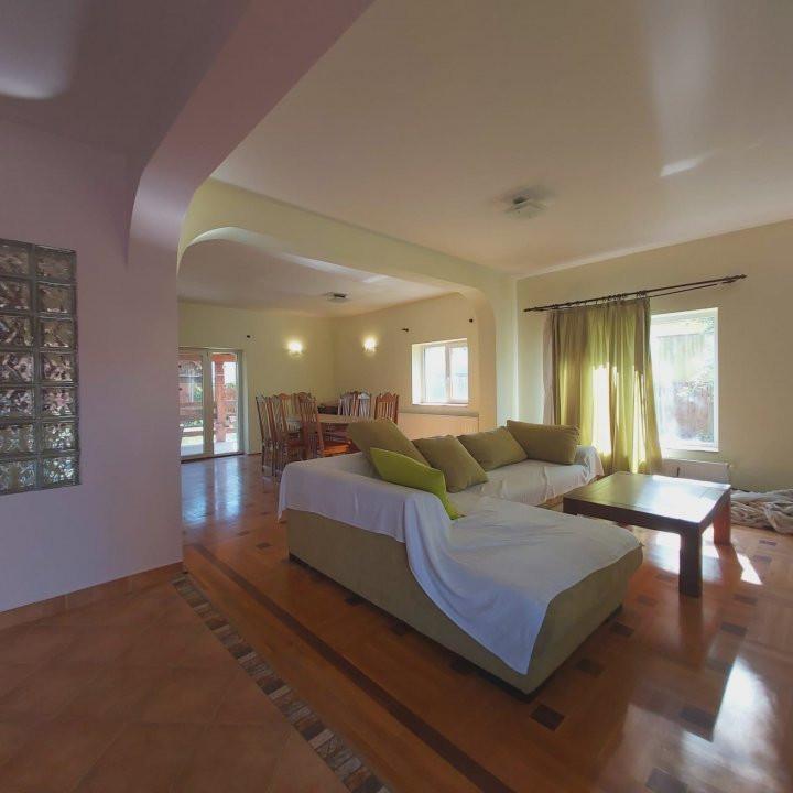 Casa individuala spatioasa, pretabil si pentru gradinita sau firme - C1861 14