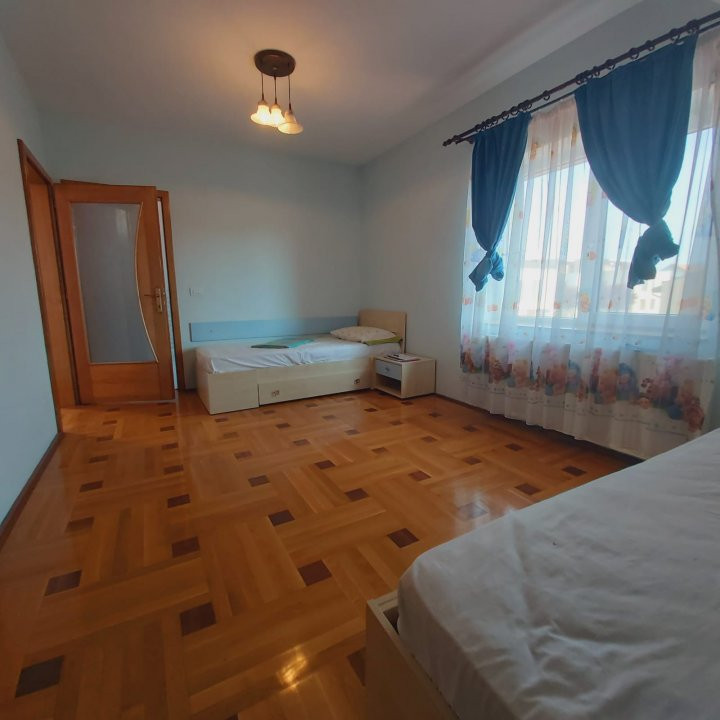 Casa individuala spatioasa, pretabil si pentru gradinita sau firme - C1861 15