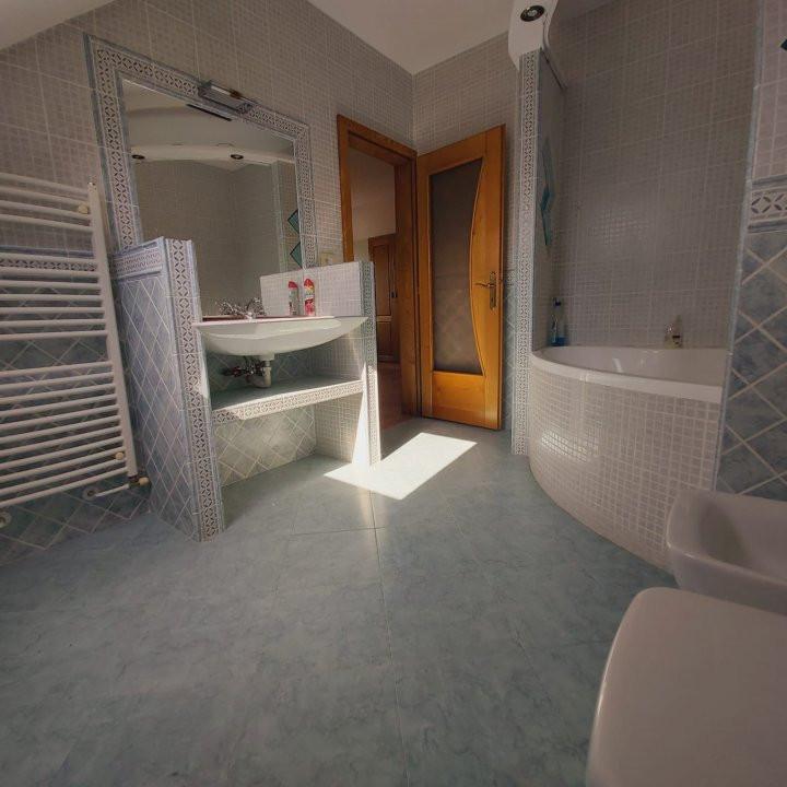 Casa individuala spatioasa, pretabil si pentru gradinita sau firme - C1861 19