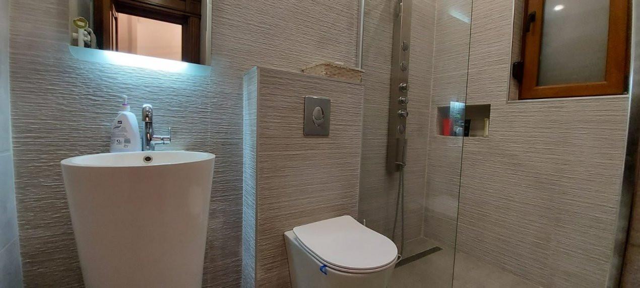 Casa de Lux, Sag  - V1866 12