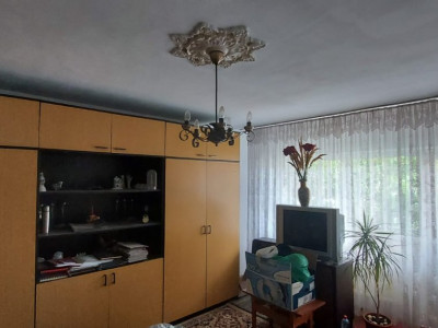 Apartament 4 camere, Steaua - V1870