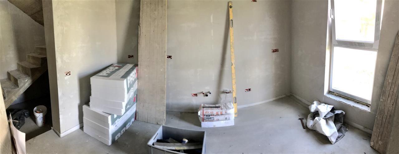 Jumatate de duplex cu 5 camere despartita prin garaj zona Dumbravita - ID V417 2