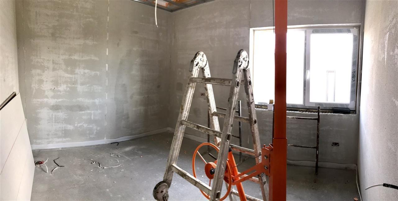 Jumatate de duplex cu 5 camere despartita prin garaj zona Dumbravita - ID V417 12