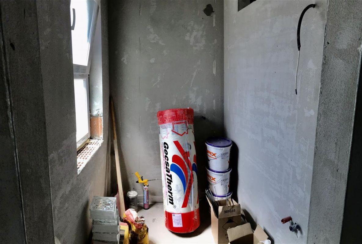 Jumatate de duplex cu 5 camere despartita prin garaj zona Dumbravita - ID V417 13