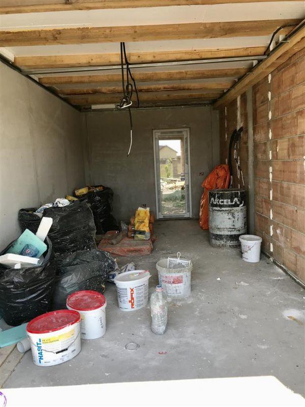 Jumatate de duplex cu 5 camere despartita prin garaj zona Dumbravita - ID V417 15