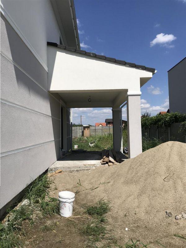 Jumatate de duplex cu 5 camere despartita prin garaj zona Dumbravita - ID V417 16