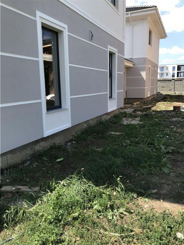 Jumatate de duplex cu 5 camere despartita prin garaj zona Dumbravita - ID V417 17