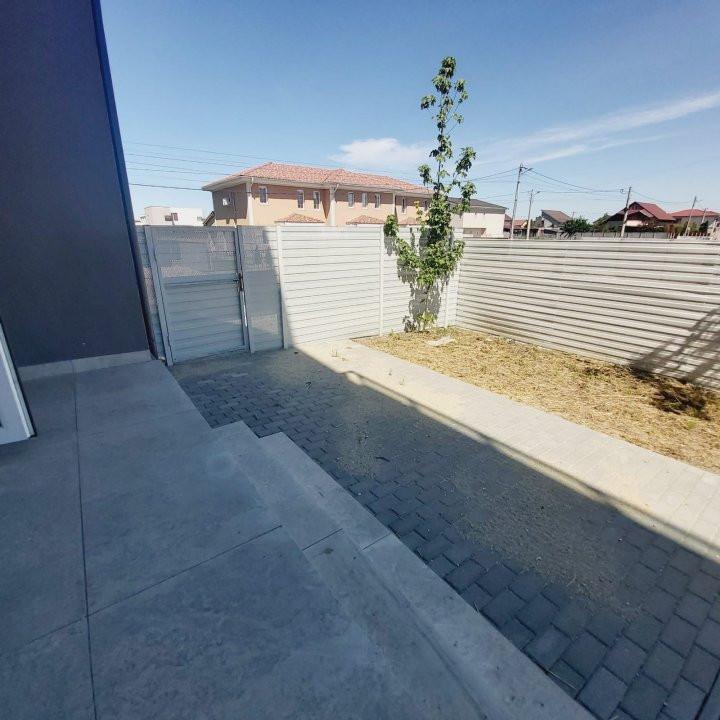 Spatii comerciale la parter cu gradina, zona in dezvoltare, Cora - C1976 3