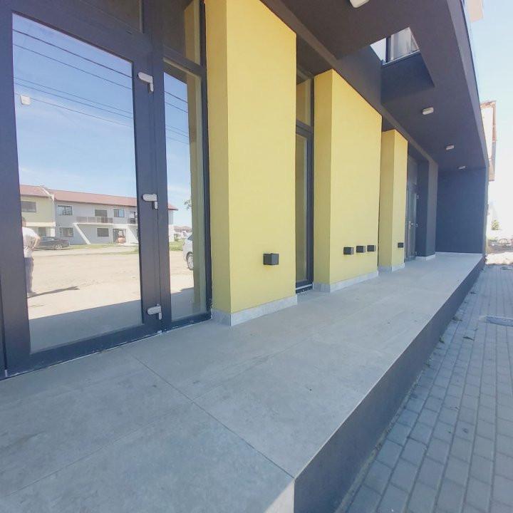 Spatii comerciale la parter cu gradina, zona in dezvoltare, Cora - C1976 18