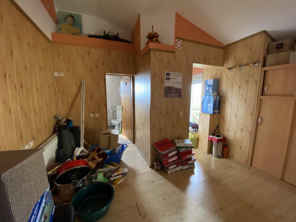 Casa individuală Mosnița Nouă + 2 Apartamente Zonă Centrală 14