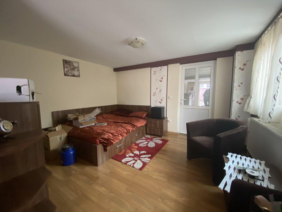 Casa individuală Mosnița Nouă + 2 Apartamente Zonă Centrală 18