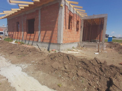 Duplex pe parter, 4 camere, zona Lac  - V2016