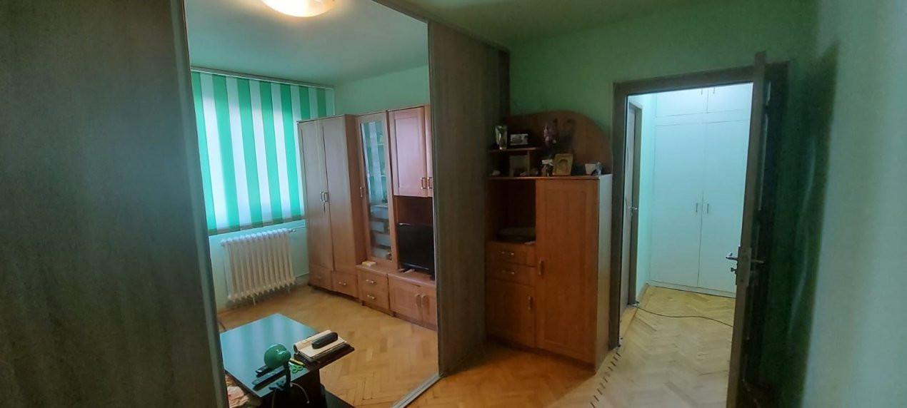 Apartament, 3 camere, etaj 1, zona Sagului - V2017 7