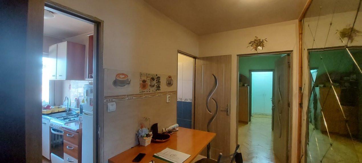 Apartament, 3 camere, etaj 1, zona Sagului - V2017 21