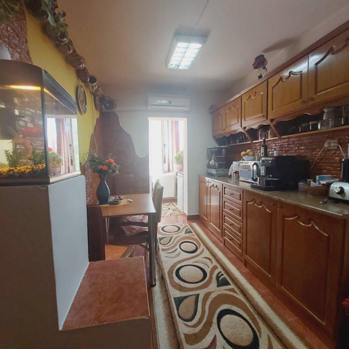 Se vinde apartament 2 camere nemobilat, Lipovei - V2020 6
